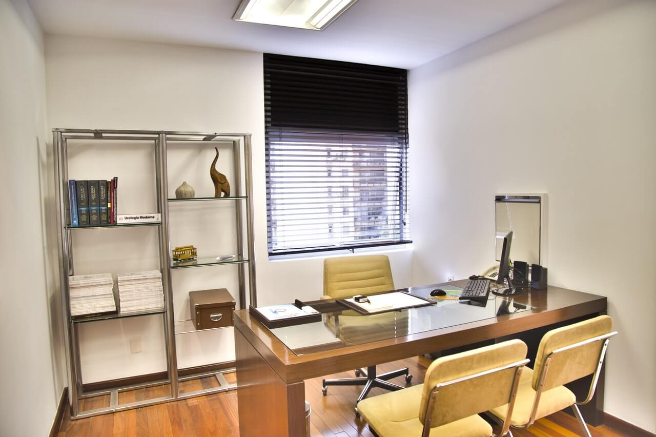7 Quick Tips to Clean Your Office Today